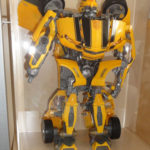 Bumblebee im Regal