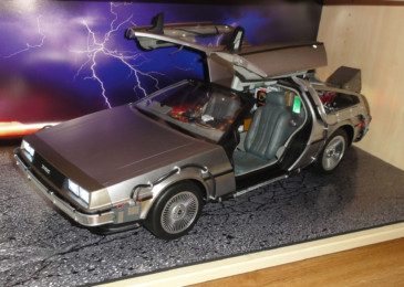 DeLorean – Hot Toys – 1:6 – 72 cm