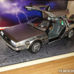 Hot Toys DeLorean im Schrank