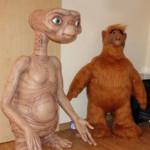E.T. & ALF in Lebensgröße und klein