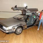 Marty und der 1:6-DeLorean von Hot Toys