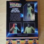 Verpackung Marty im Strahlenschutzanzug