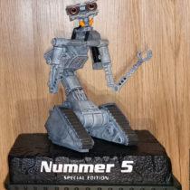 Nummer 5 lebt… – 30 cm – Nameless Special Edition mit Büste