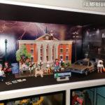 Playmobil-Figuren vor neuem Hintergrund